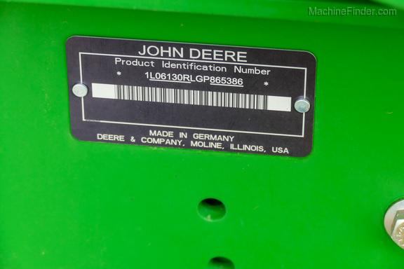 2016 John Deere 6130R-35