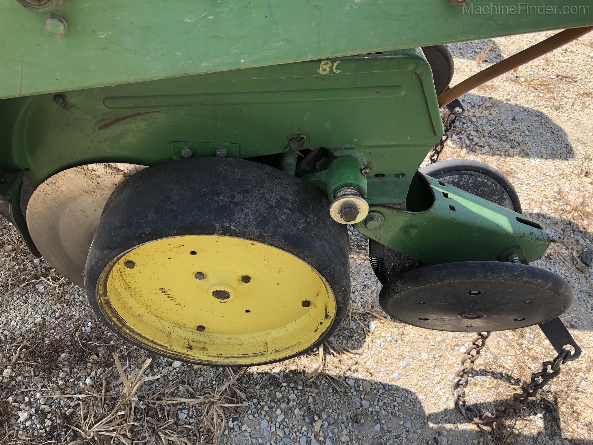 Equipment Details John Deere 7000