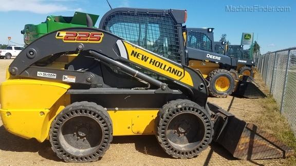 New Holland L225