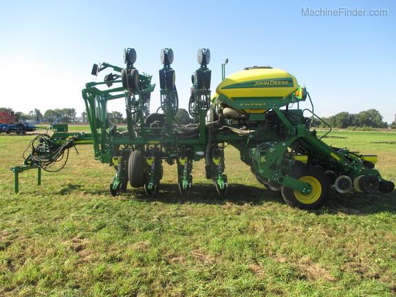 2018 John Deere 1795 Planters Drawn Lowden