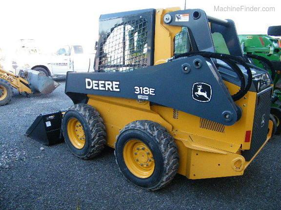 John Deere 318E