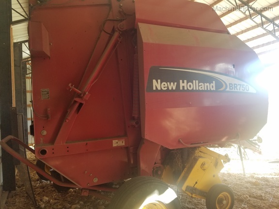 2006 New Holland BR750