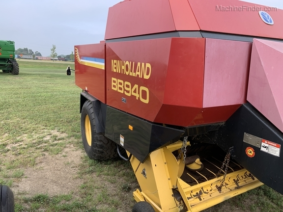 2003 New Holland BB940 Image 7