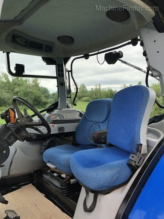 2009 New Holland T7050 Image 6