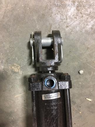 John Deere Hydro-Line 3.5x16 Hydraulic Cylinder
