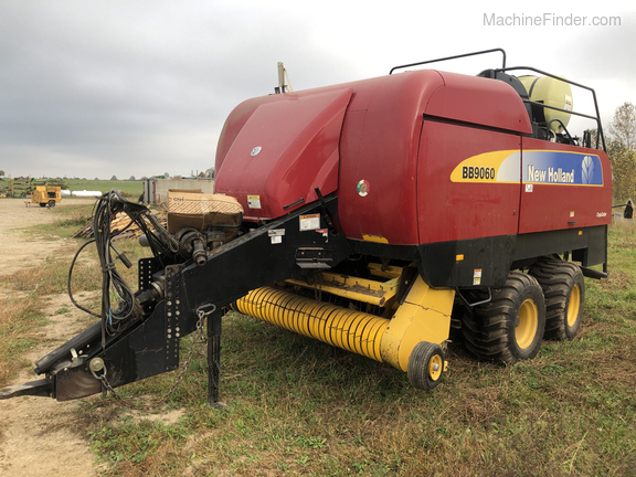 2009 New Holland BB9060 Image 1