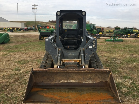 Photo of 2014 John Deere 323E