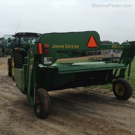 2015 John Deere 835