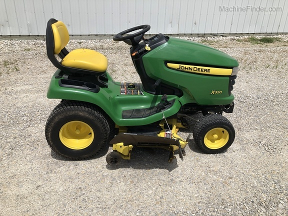 Photo of 2011 John Deere X320