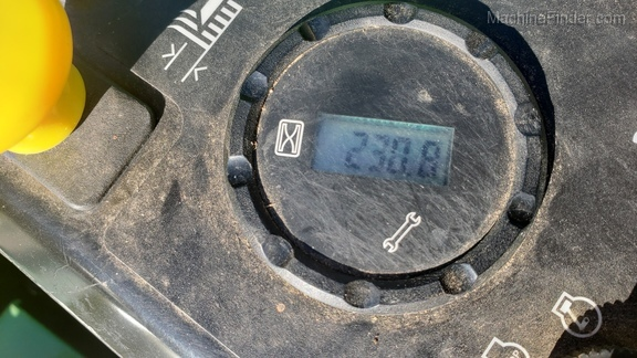 Photo of 2010 John Deere Z710A