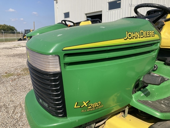 John Deere LX280