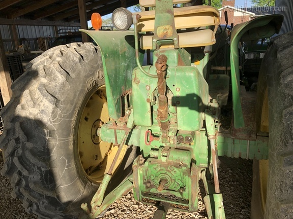 Photo of 1966 John Deere 3020