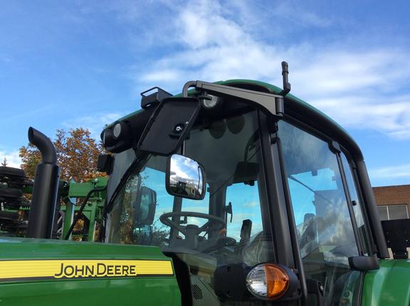 John Deere 6195M