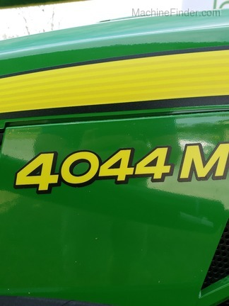 2019 John Deere 4044M