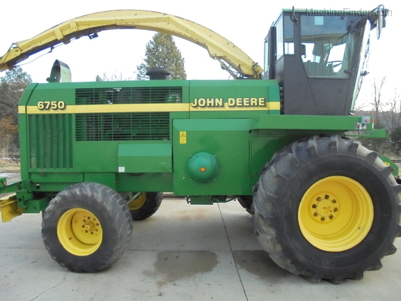 John Deere 6750