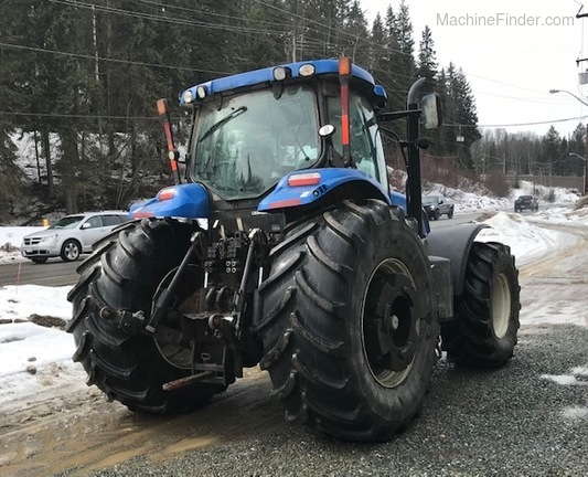 2011 New Holland T7.235 Image 4