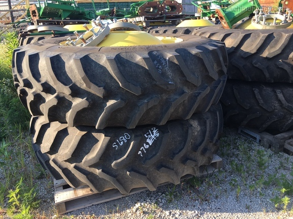 John Deere GOOD YEAR 520/85R42