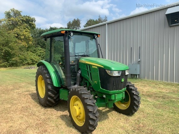 Photo of 2015 John Deere 5055E