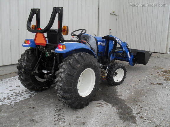 2014 New Holland Boomer 37