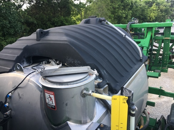 Photo of 2016 John Deere R4045