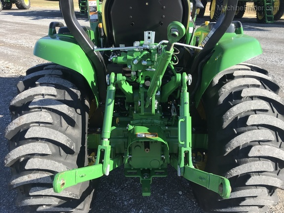 Photo of 2017 John Deere 3046R