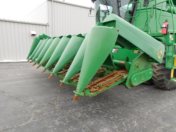1997 John Deere 893 Corn And Row Crop Headers Denmark WI