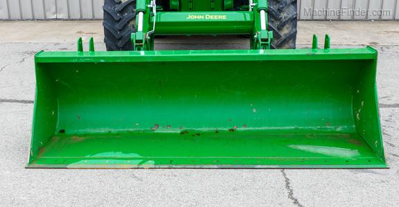 2016 John Deere 6120R-31