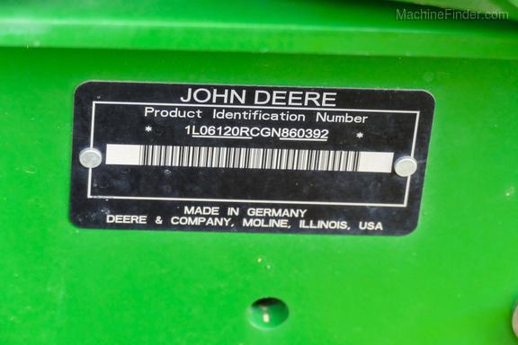 2016 John Deere 6120R-37