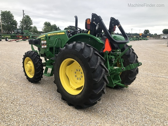 Photo of 2018 John Deere 5065E