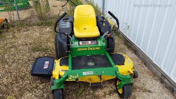 John Deere Z445