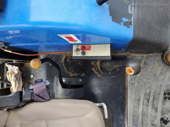 2006 New Holland TL90A Image 15