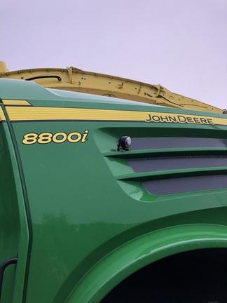 John Deere 8800
