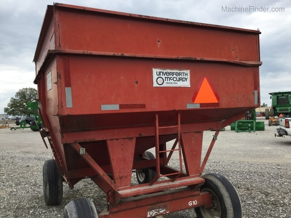 Unverferth 250 BU wagon/ with extensions Image 9