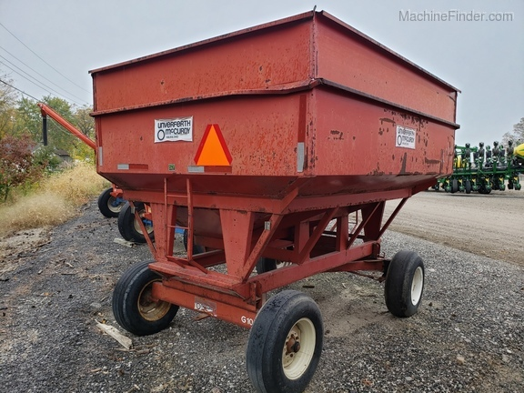 Unverferth 250 BU wagon/ with extensions Image 7
