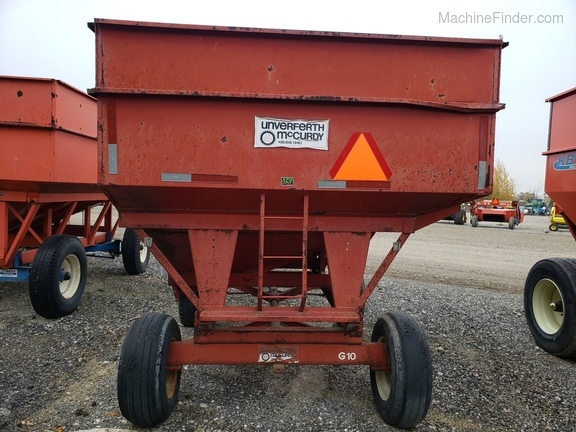 Unverferth 250 BU wagon/ with extensions Image 8