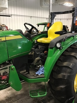 Photo of 2015 John Deere 4066R