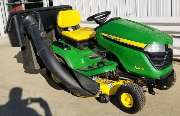 2015 john deere x300  lawn  garden tractors  john deere