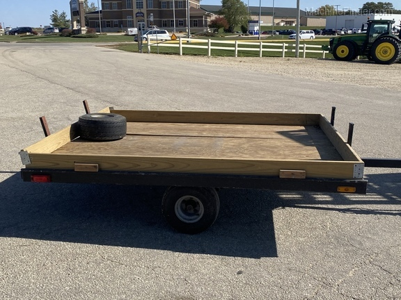 1976 John Deere Snowmobile Trailer Image 4