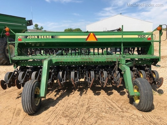 Photo of 1995 John Deere 750