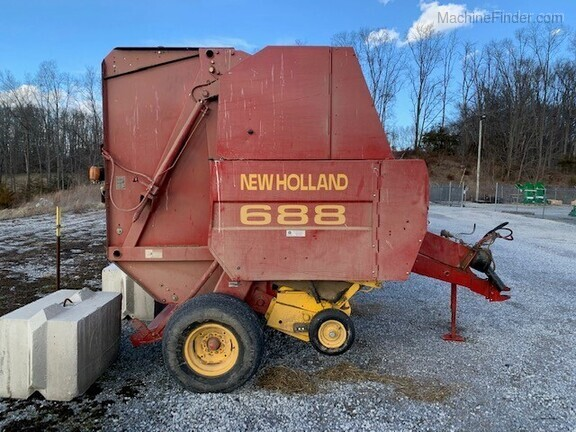 2002 New Holland 688 Image 11