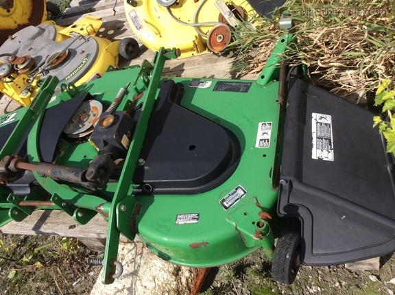 John Deere 72 mid-mount mower deck