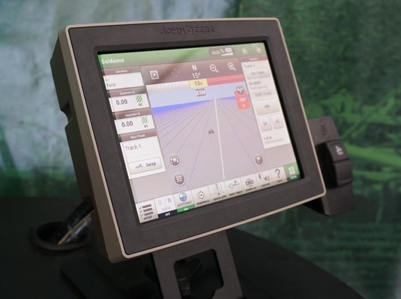 2018 John Deere 4240 Universal Display Precision Ag