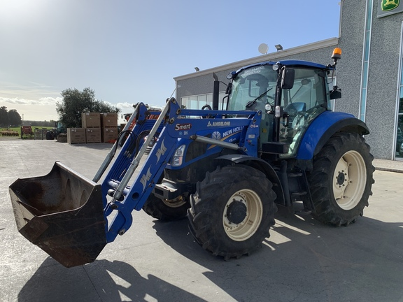New Holland T5. 105 Electro Command