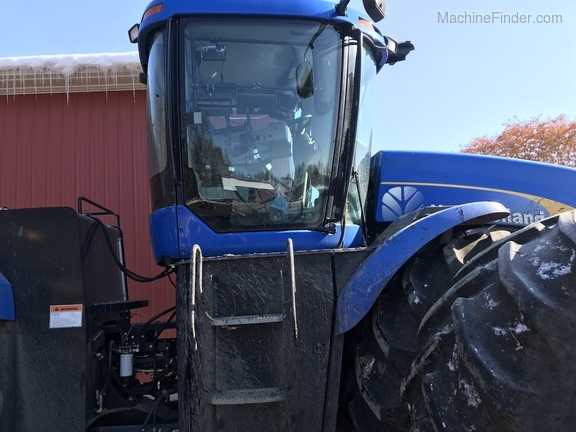 2011 New Holland T9050 Image 4