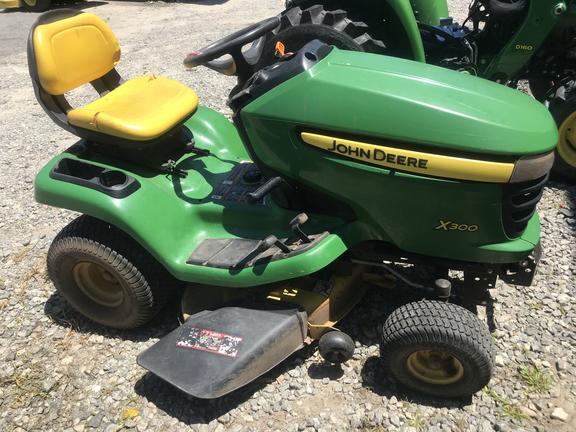 2012 john deere x300  lawn  garden tractors  john deere