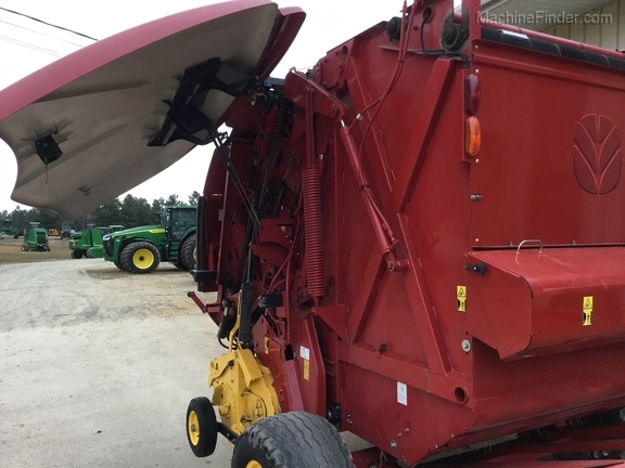 2014 New Holland 560 Roll Belt Image 2