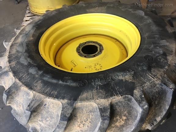 John Deere FS 480/70R30 T&W