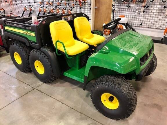 2021 John Deere TH 6x4 Gas Image 10