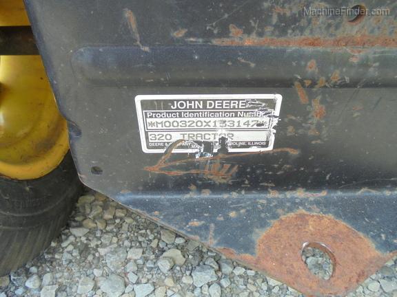 John Deere 320