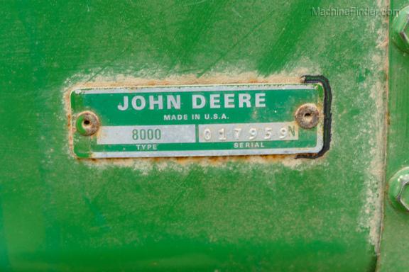 John Deere 8300-19